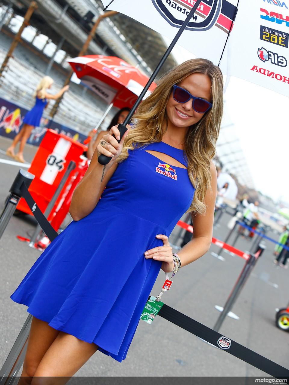 Paddock Girls at Jerez 2014 - autoevolution