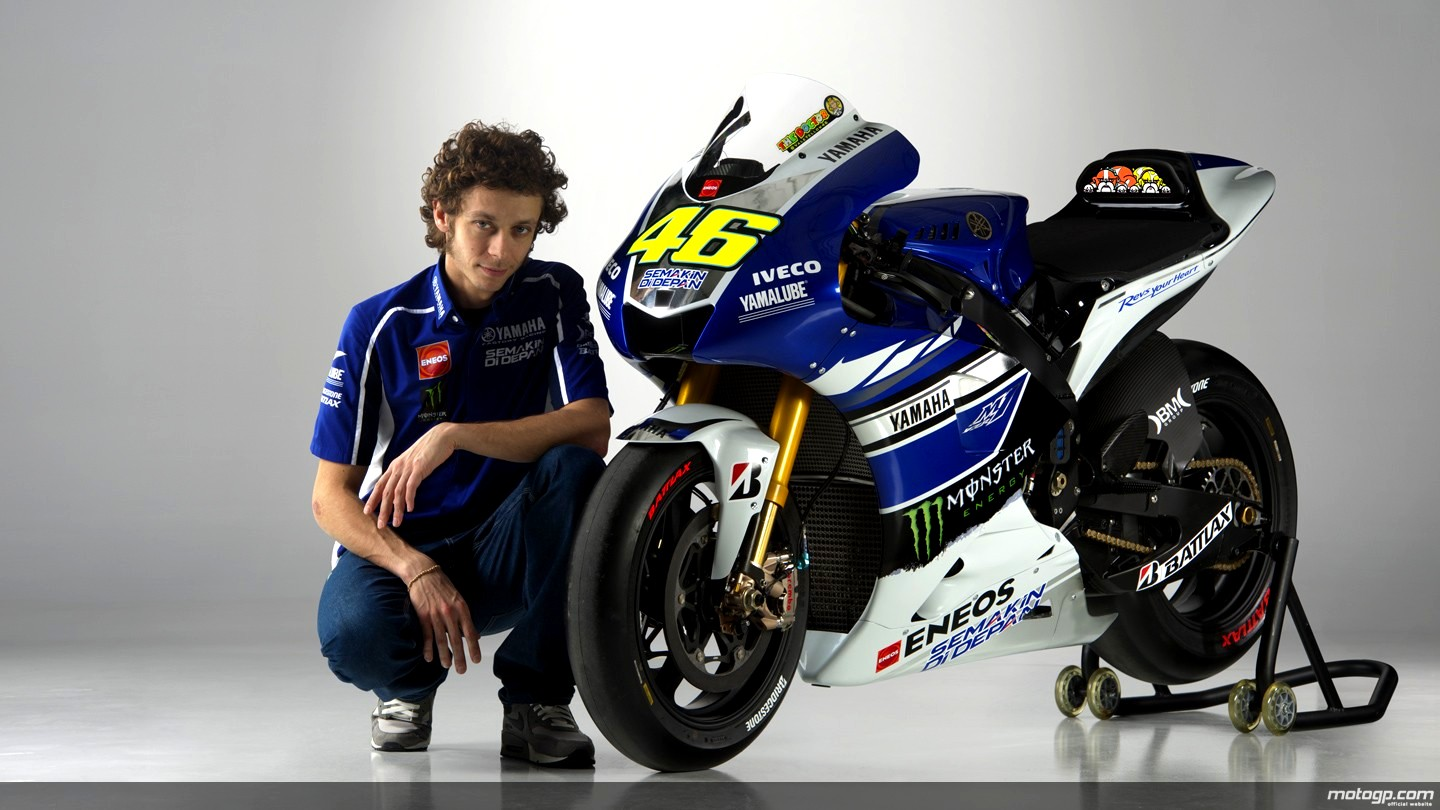 2013 MotoGP: Yamaha Shows the M1 Bikes at Jerez - autoevolution