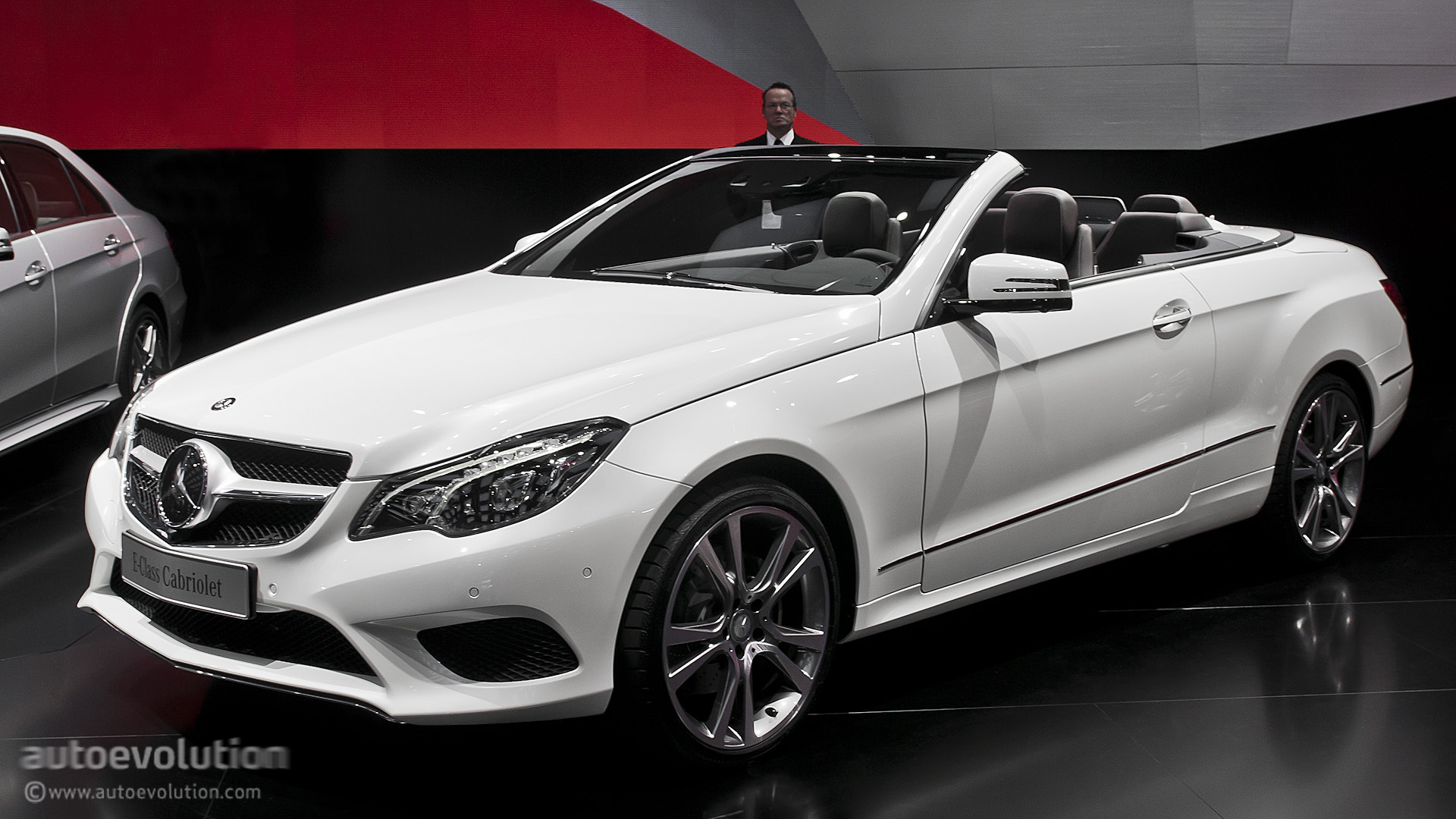 2013 naias mercedes benz e class cabriolet live photos autoevolution. Black Bedroom Furniture Sets. Home Design Ideas