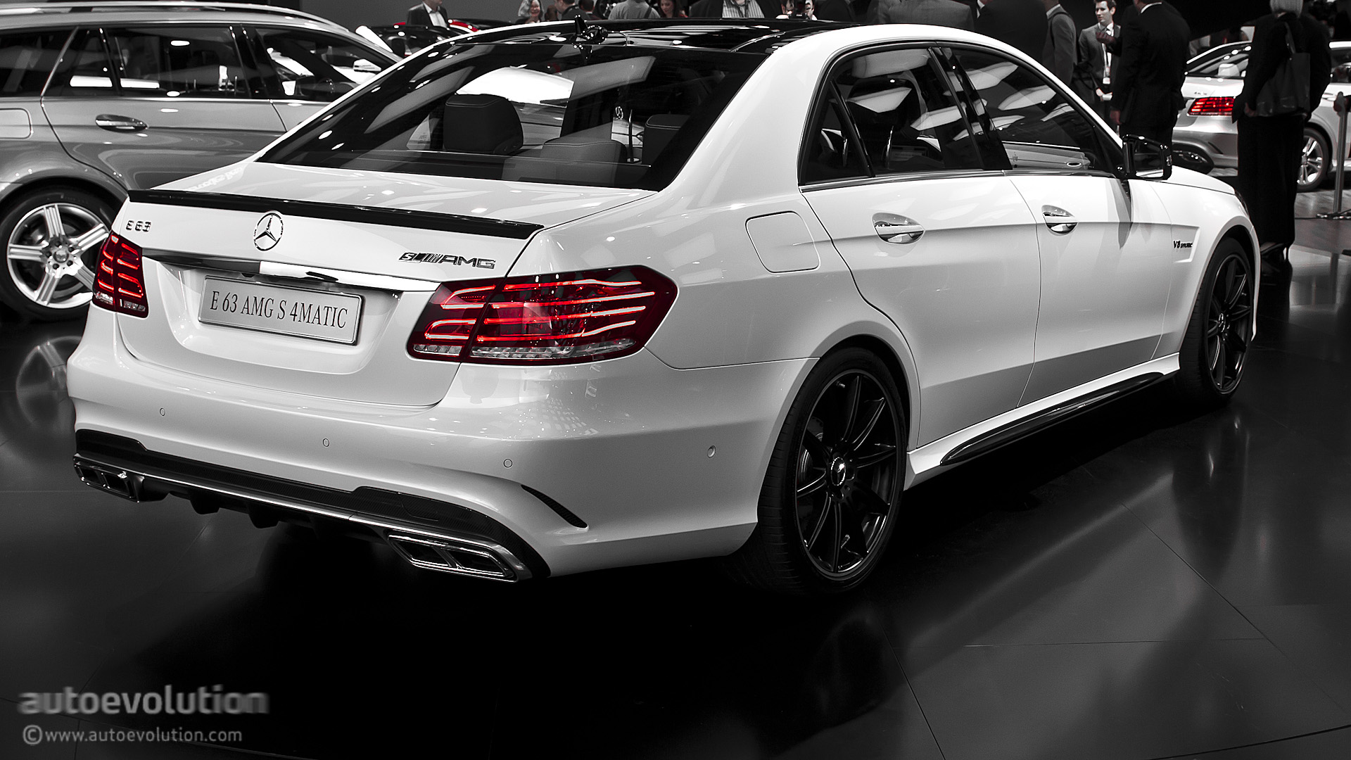 2013 naias mercedes benz e63 amg s 4matic live photos