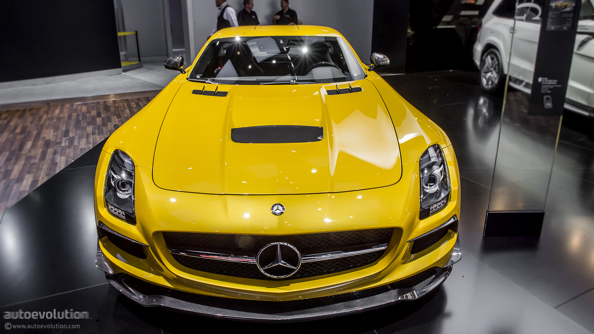 2013 NAIAS Mercedes Benz SLS AMG Black Series Live Photos