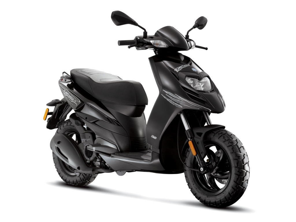 2013 piaggio typhoon 125, the swift fully-automatic commuter