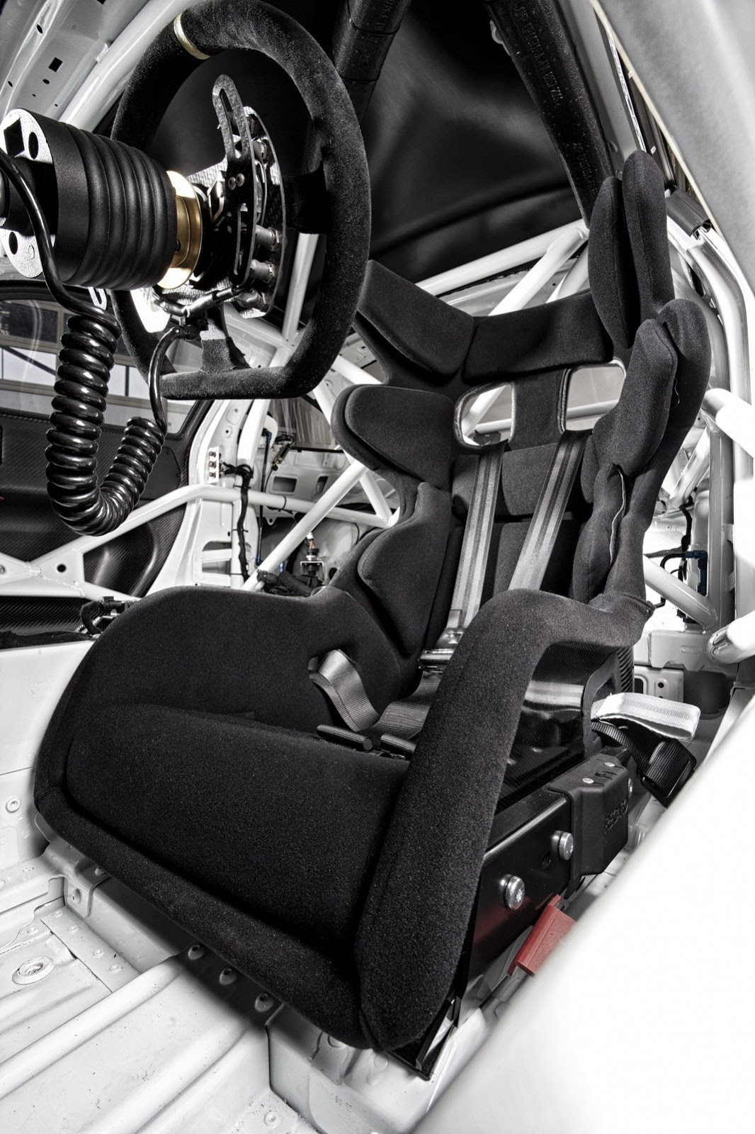 2013 porsche 911 gt3 cup race car unveiled photo gallery for Interieur 991
