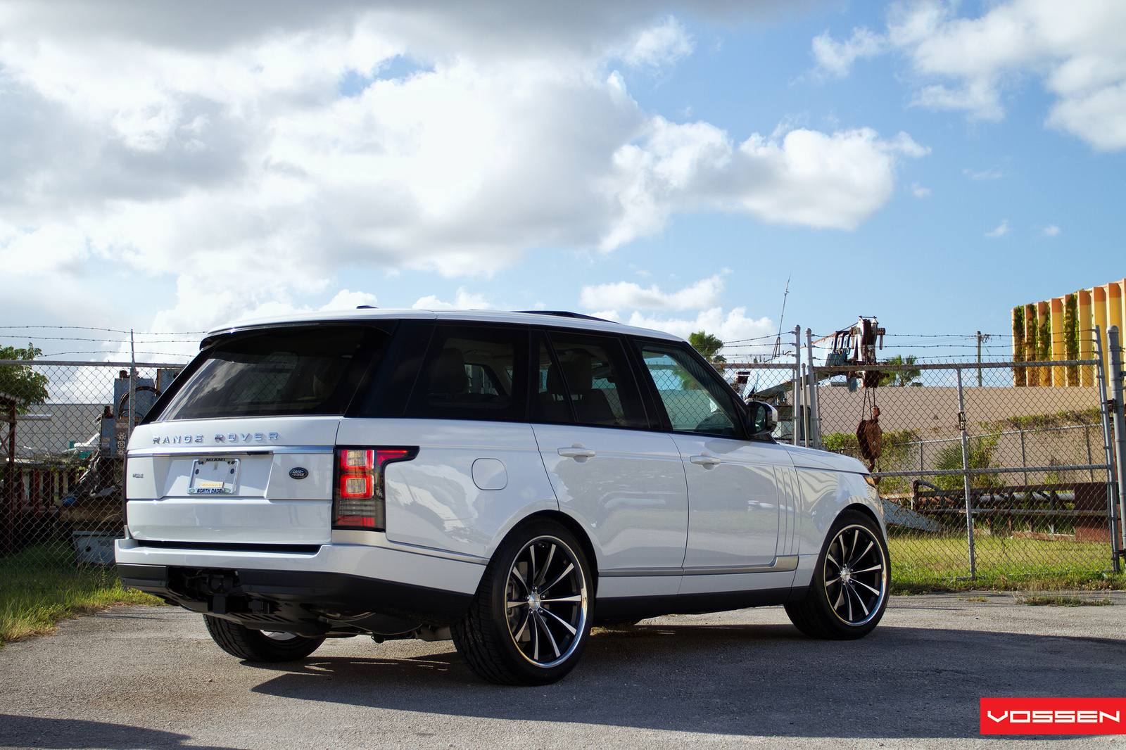 2013 Range Rover Gets Custom Vossen Wheels Autoevolution