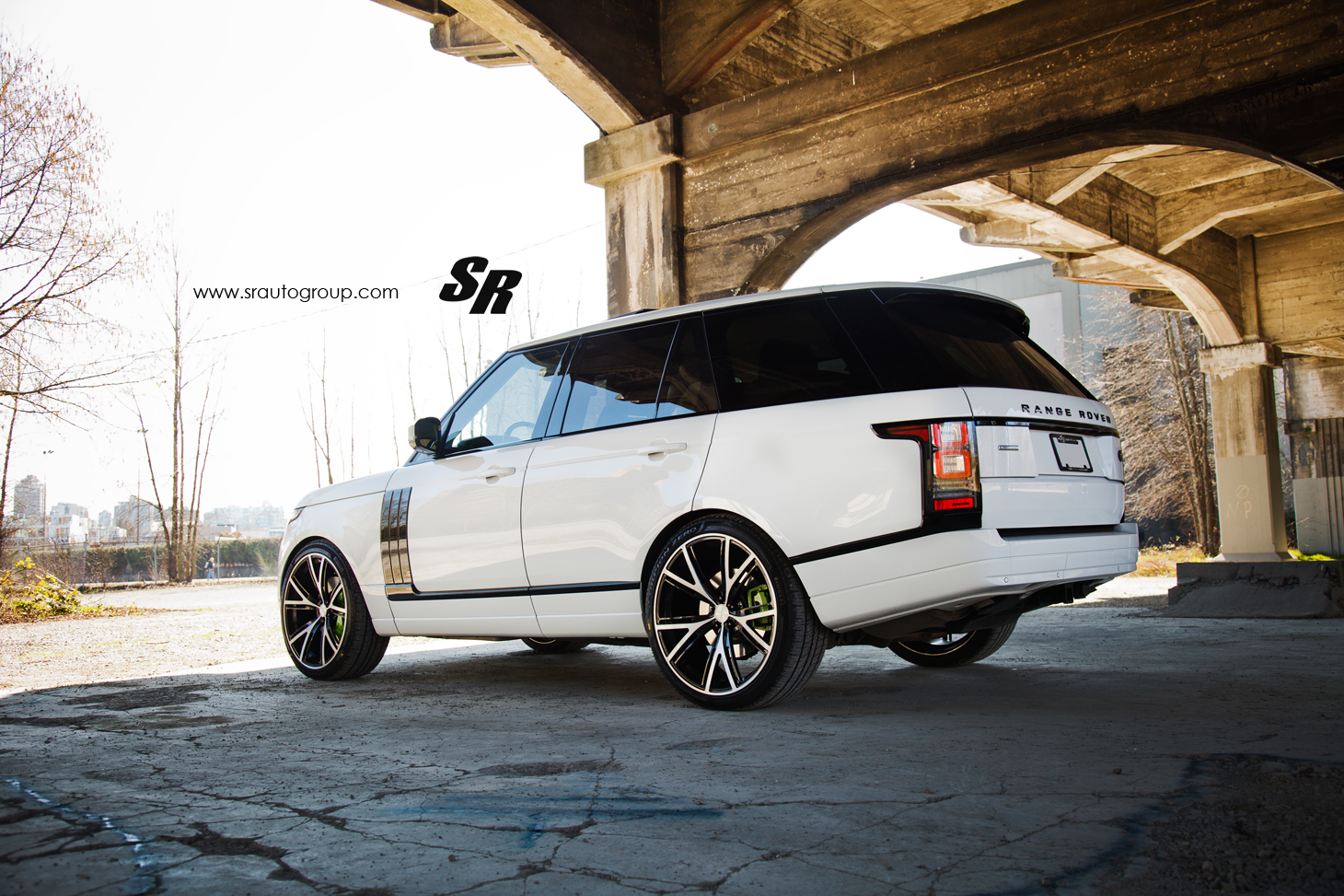 2013 Range Rover Gets PUR Wheels, Lambo-Green Calipers ...