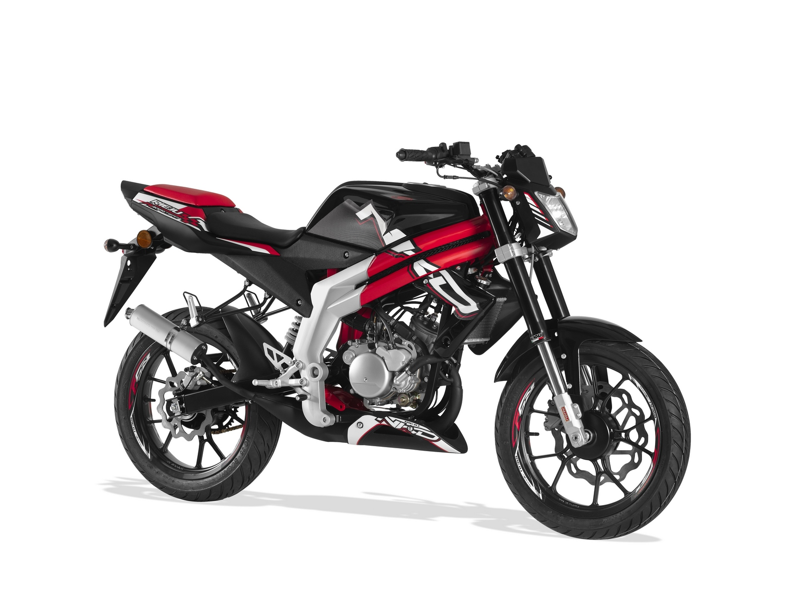 2013 rieju rs3 50cc nkd naked small displacement aggression autoevolution. Black Bedroom Furniture Sets. Home Design Ideas
