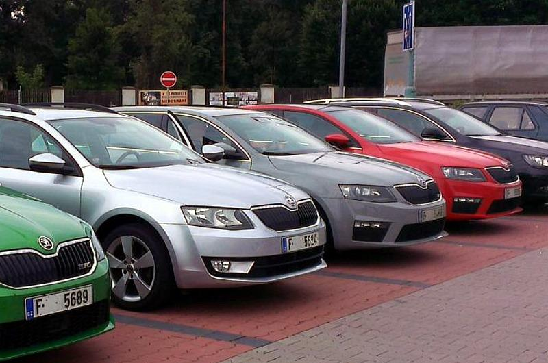 2013 skoda octavia rs liftback and combi real world pictures autoevolution. Black Bedroom Furniture Sets. Home Design Ideas