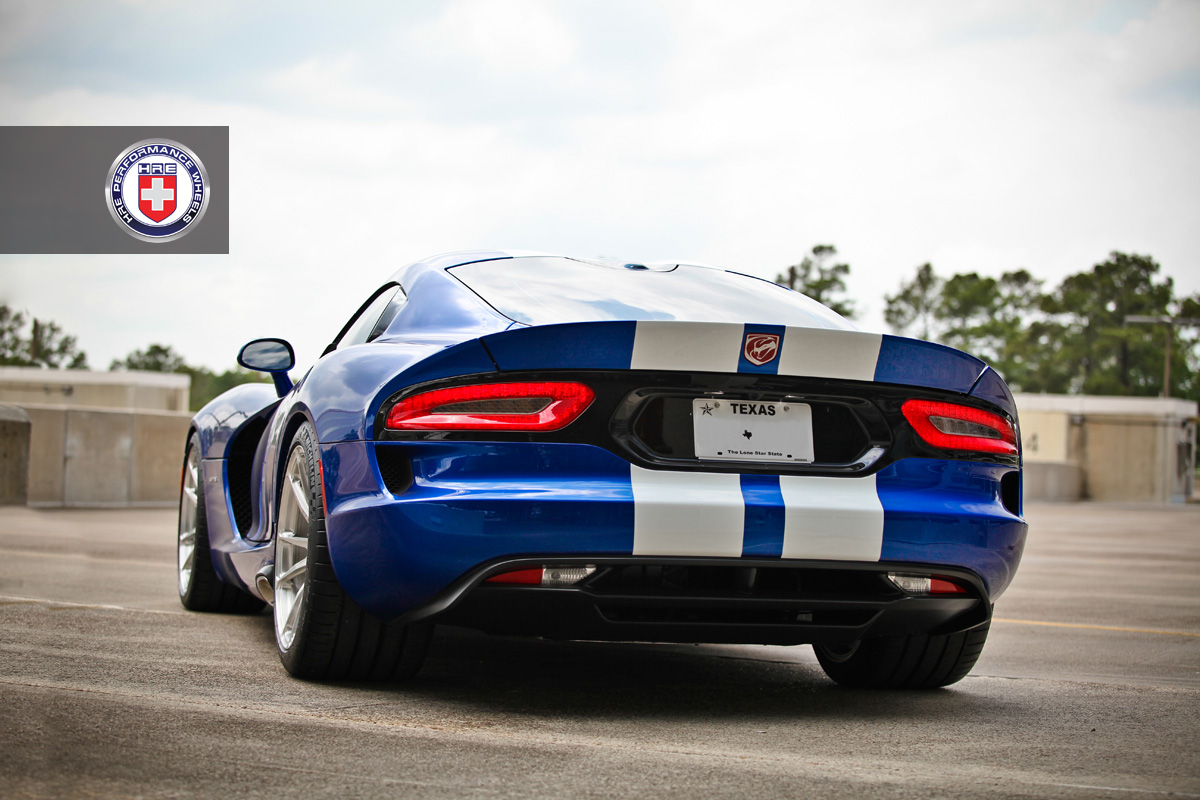 http://s1.cdn.autoevolution.com/images/news/gallery/2013-srt-viper-on-hre-wheels-photo-gallery_4.jpg?1375805298