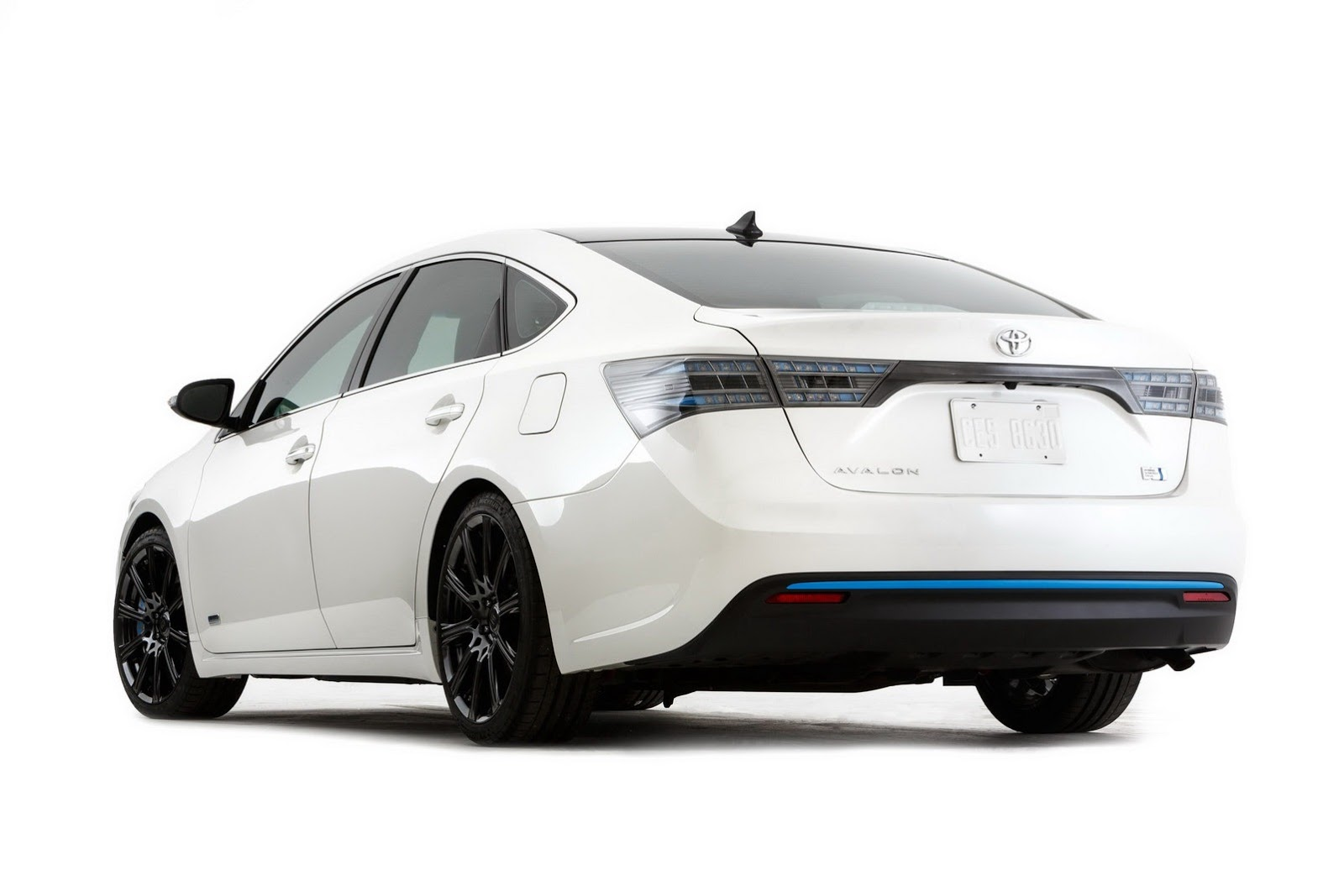 2013 Toyota Avalon Hv Edition Unveiled For Sema