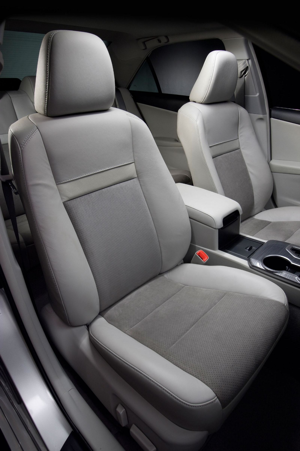 2013 toyota camry gets updated interior autoevolution. Black Bedroom Furniture Sets. Home Design Ideas