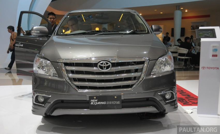2013 Toyota Innova Facelift at Indonesian Motor Show [Photo Gallery]