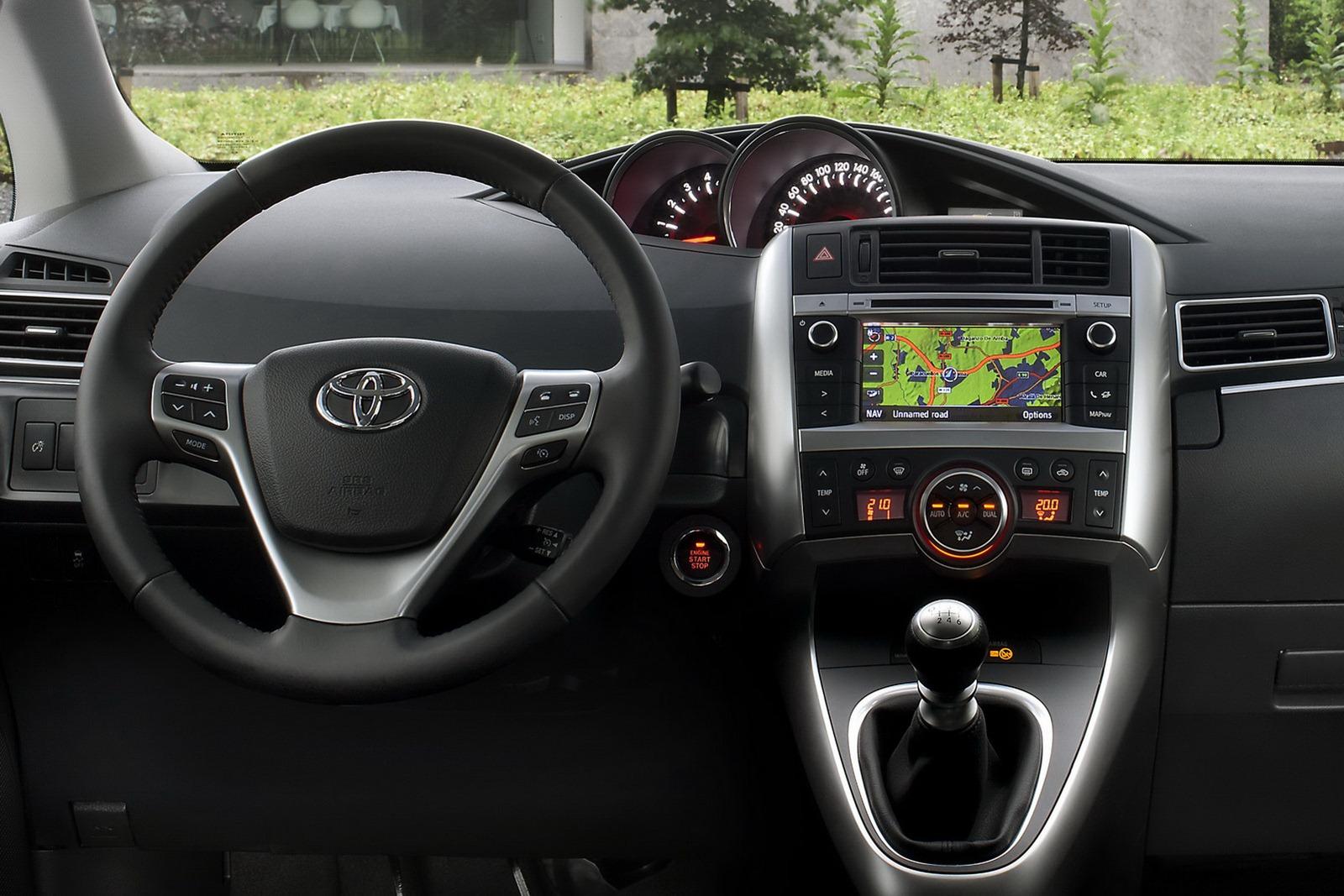 Тойота версо 2014 фото