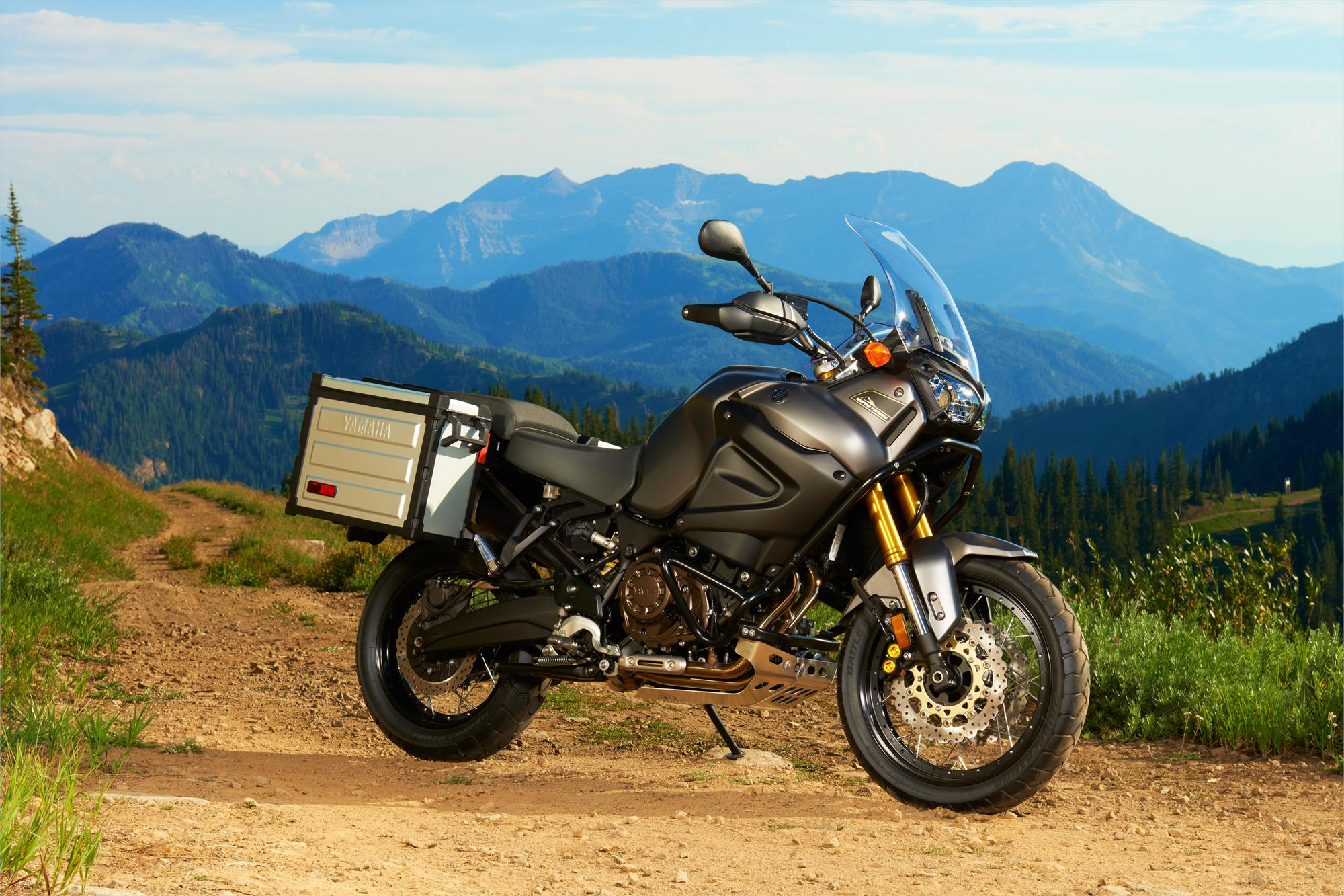 2013 Yamaha Xt1200z Super Tenere Attacks Bmw And Ktm