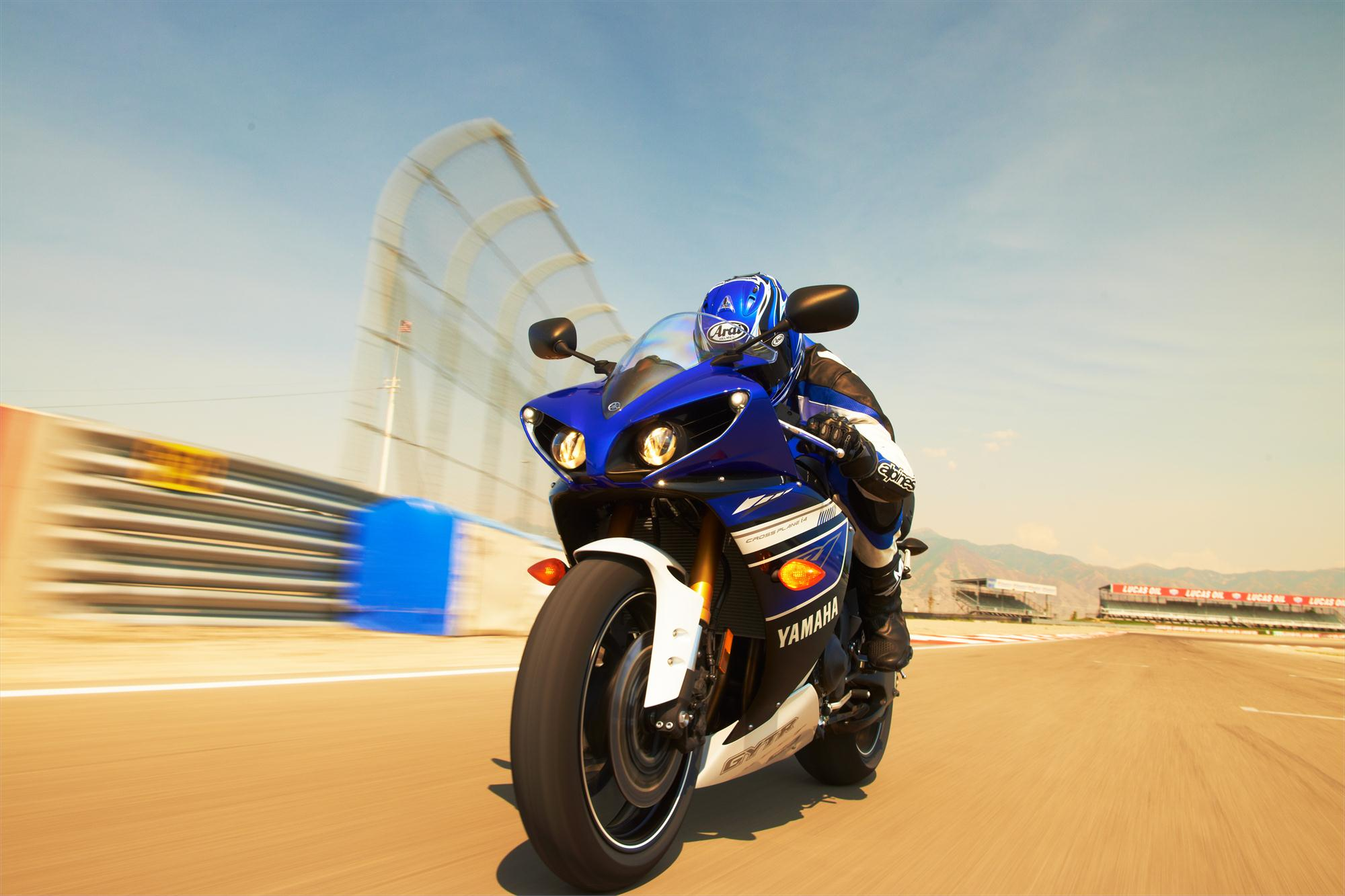 2013 Yamaha YZF-R1 Even More Aggressive Than Before - Photo Gallery