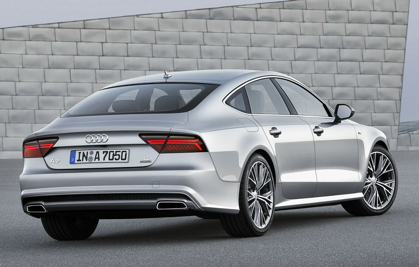 2014 audi a7 sportback revealed with facelift and power upgrades video autoevolution. Black Bedroom Furniture Sets. Home Design Ideas