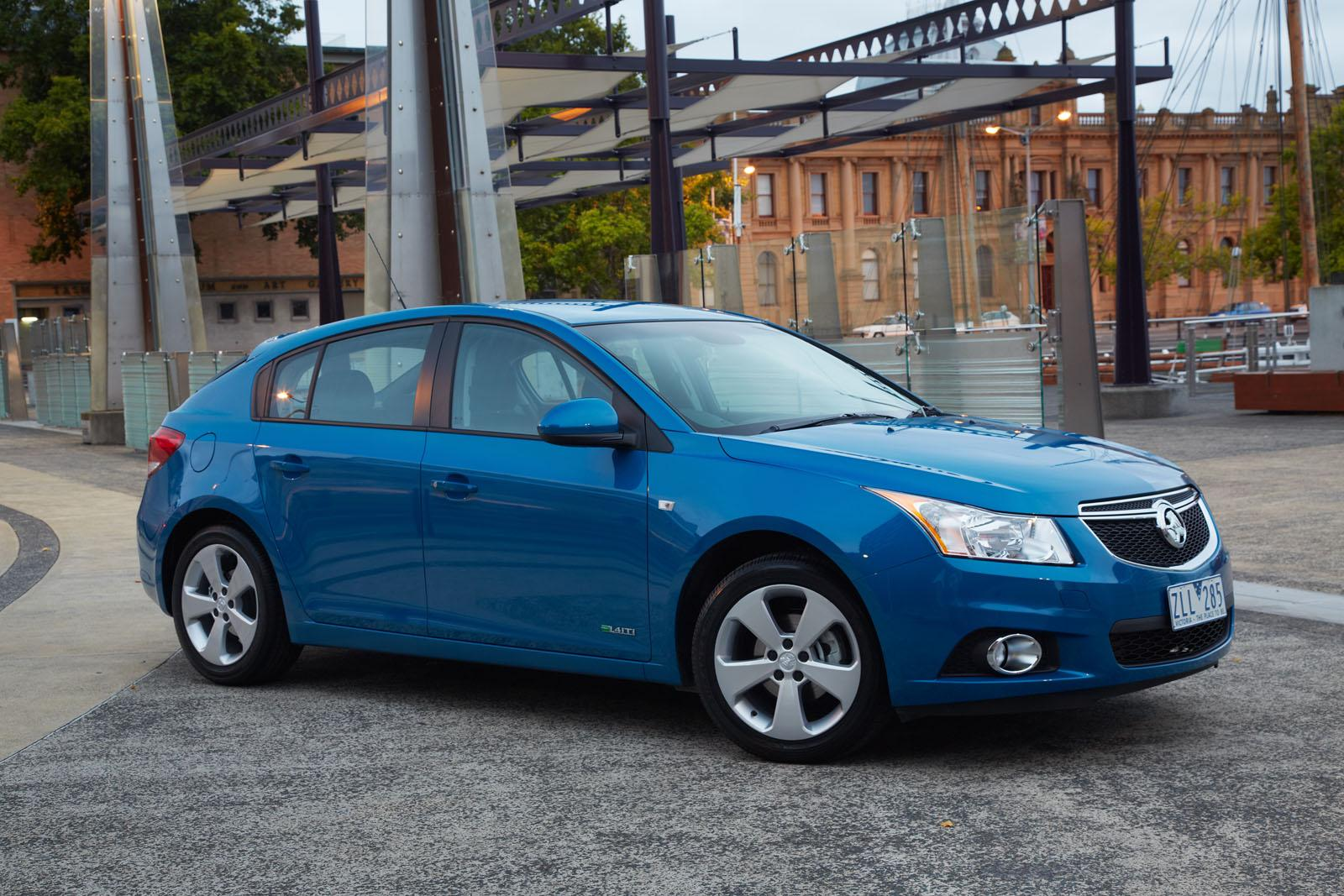2014 best ever holden cruze officially revealed autoevolution. Black Bedroom Furniture Sets. Home Design Ideas