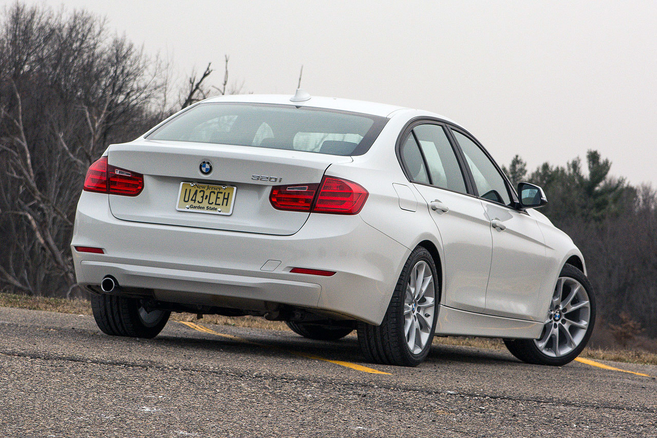 2014 Bmw 320i Review By Autoblog Autoevolution