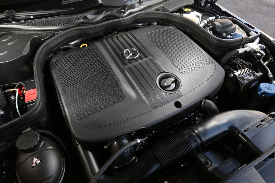 2014 Bmw 518d Touring Vs Mercedes Benz E200 Cdi T Modell Comparison Test Autoevolution