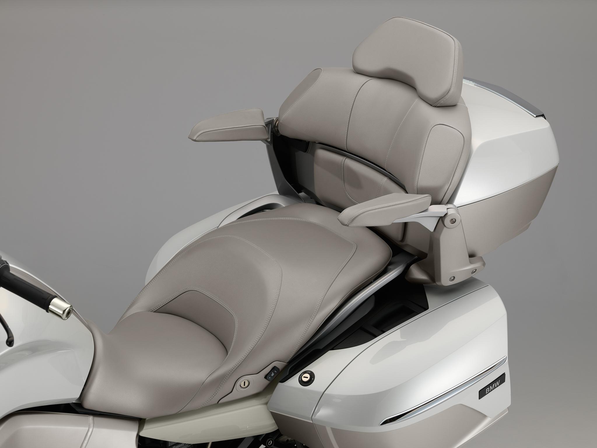 Control Arm Car >> 2014 BMW K1600GTL Exclusive Official Pictures - autoevolution