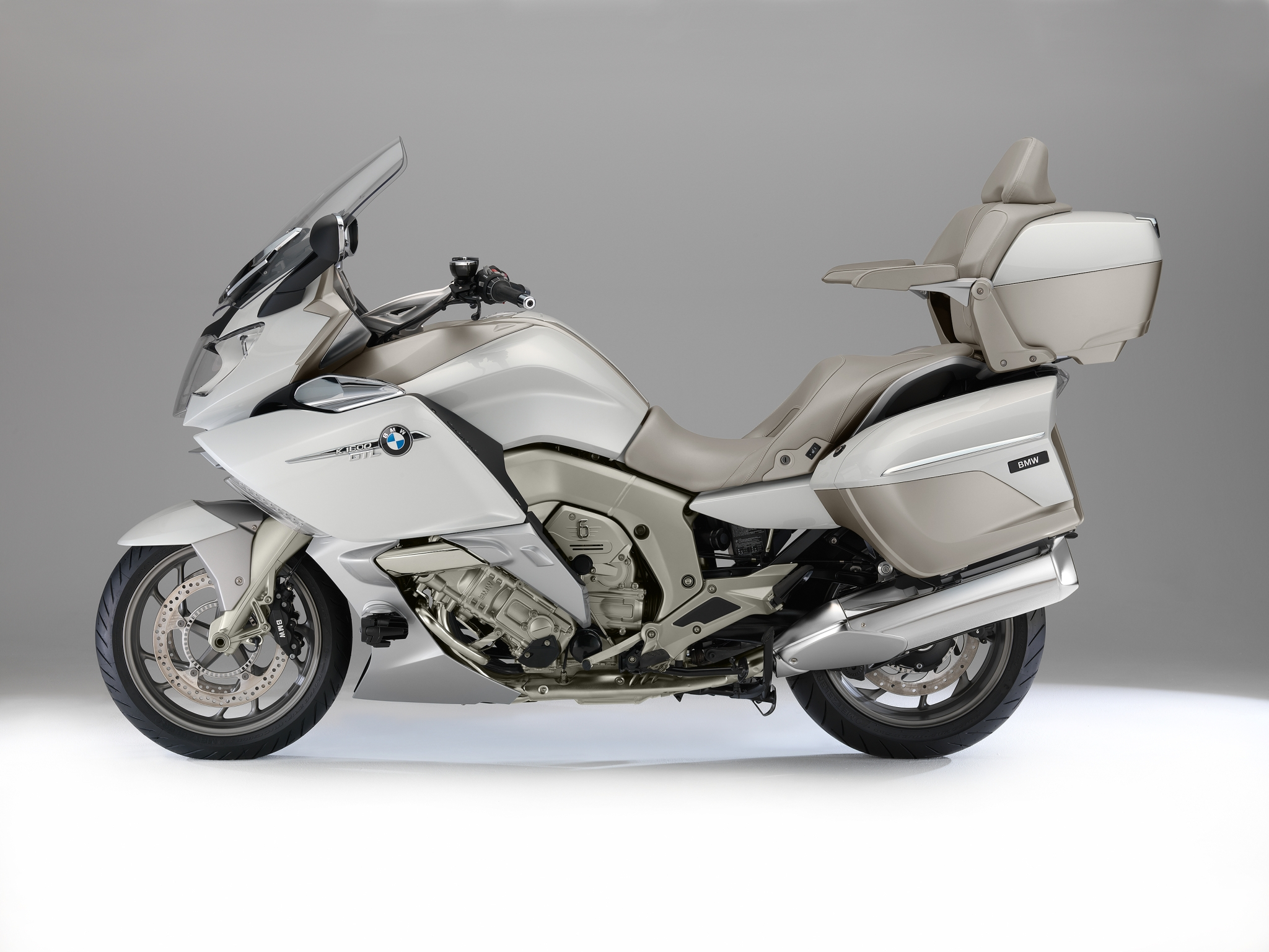 2014 bmw k1600gtl exclusive official pictures autoevolution. Black Bedroom Furniture Sets. Home Design Ideas