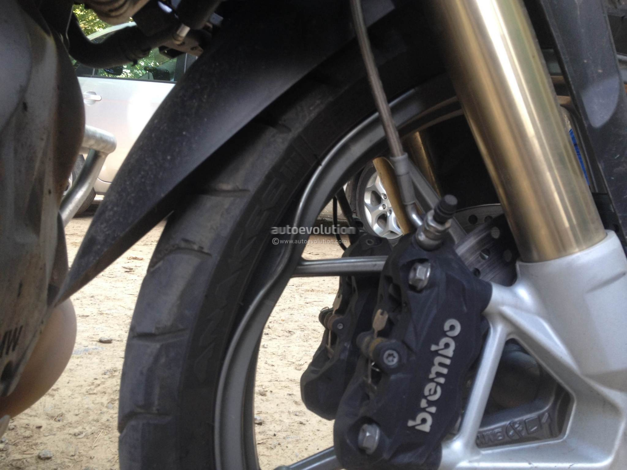 2014 BMW R1200GS Cast Wheels Can't Really Take Potholes ...
