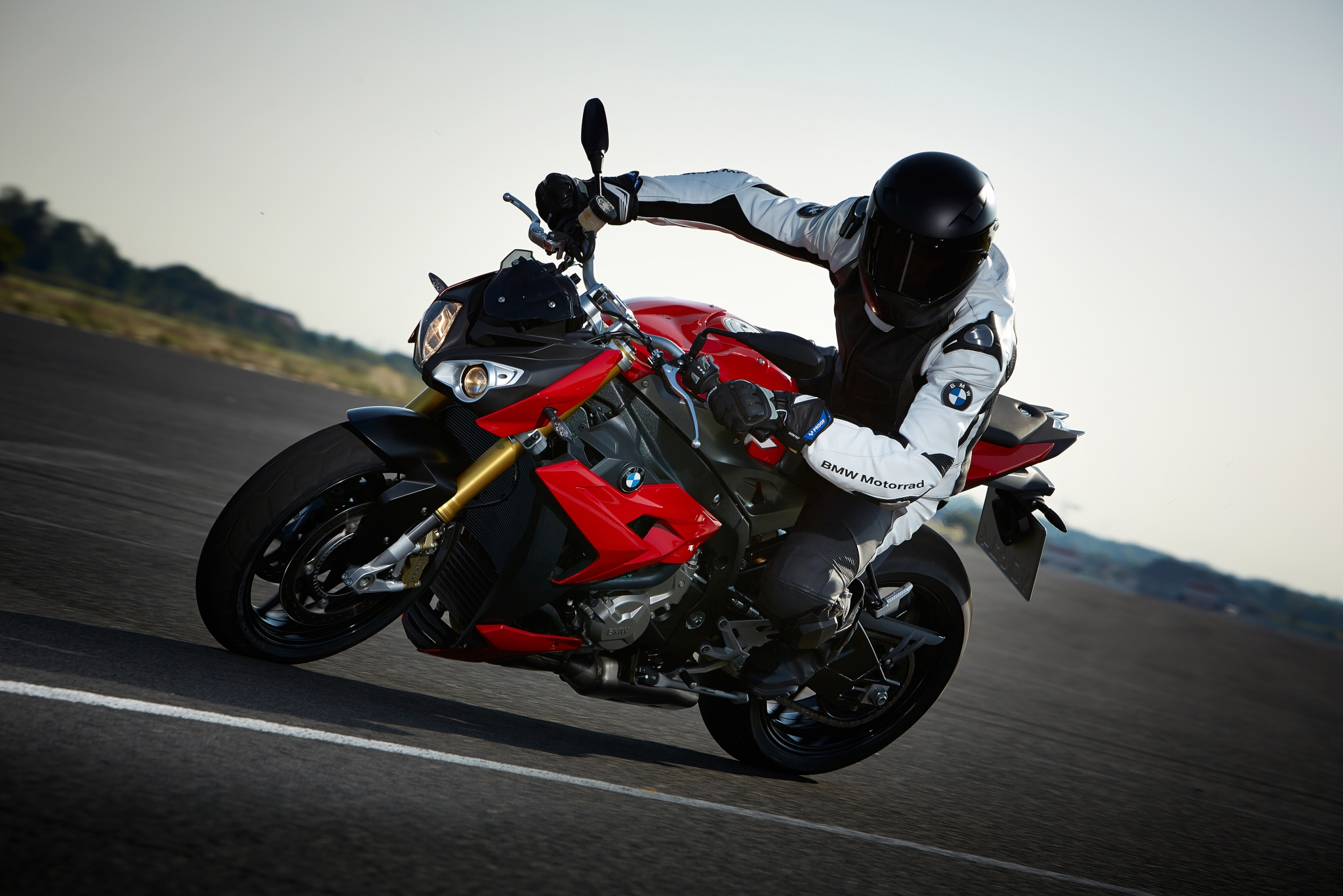 2014 BMW S1000R Even More Evil Than The RR