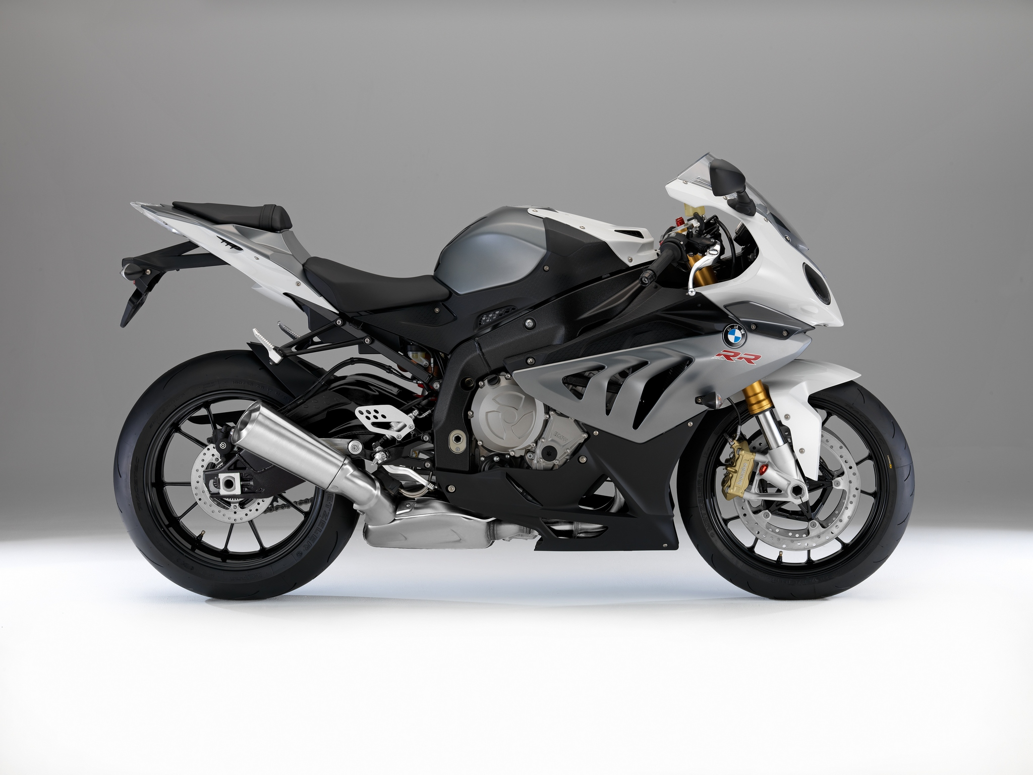 2014 BMW S1000RR Changes Colors - autoevolution