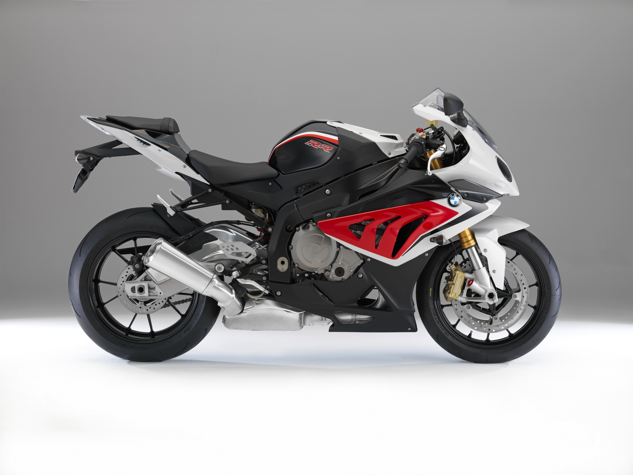 2014 Bmw S1000rr Changes Colors Autoevolution