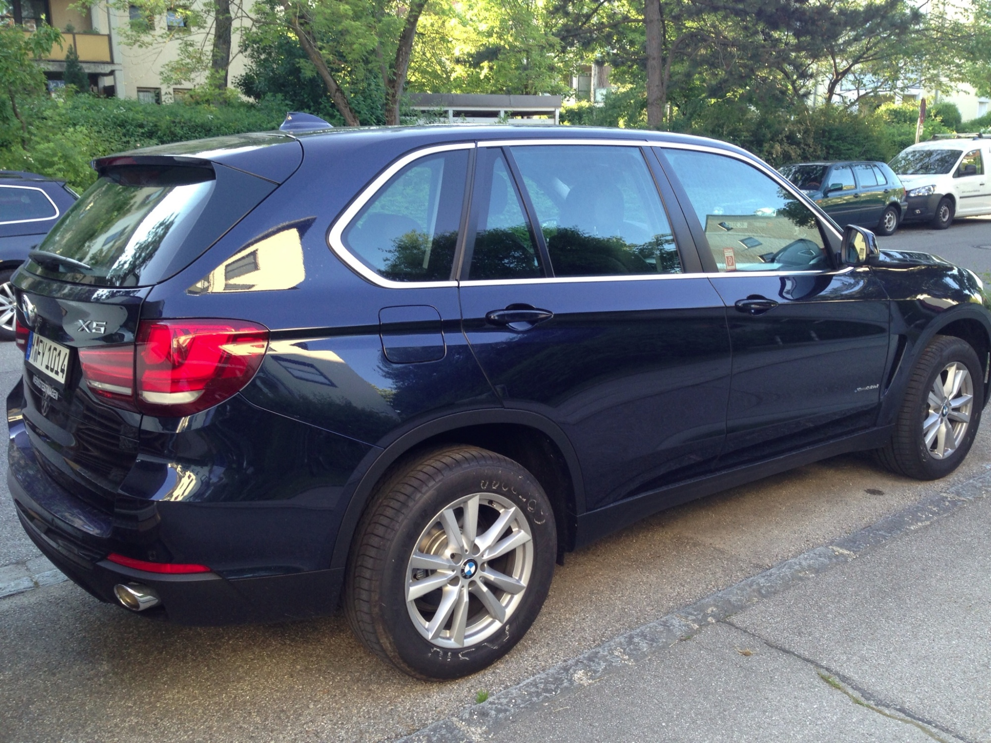 2014 bmw x5 spotted in germany autoevolution. Black Bedroom Furniture Sets. Home Design Ideas