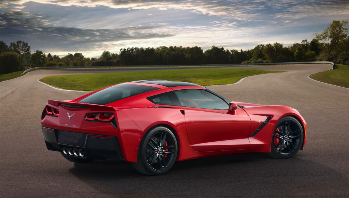 2014 Chevrolet Corvette C7 Stingray Debuts In Detroit