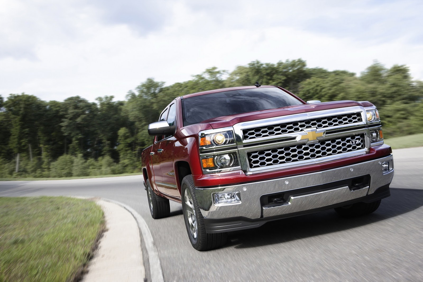 2014 chevrolet silverado pricing and specs announced photo gallery autoevolution. Black Bedroom Furniture Sets. Home Design Ideas
