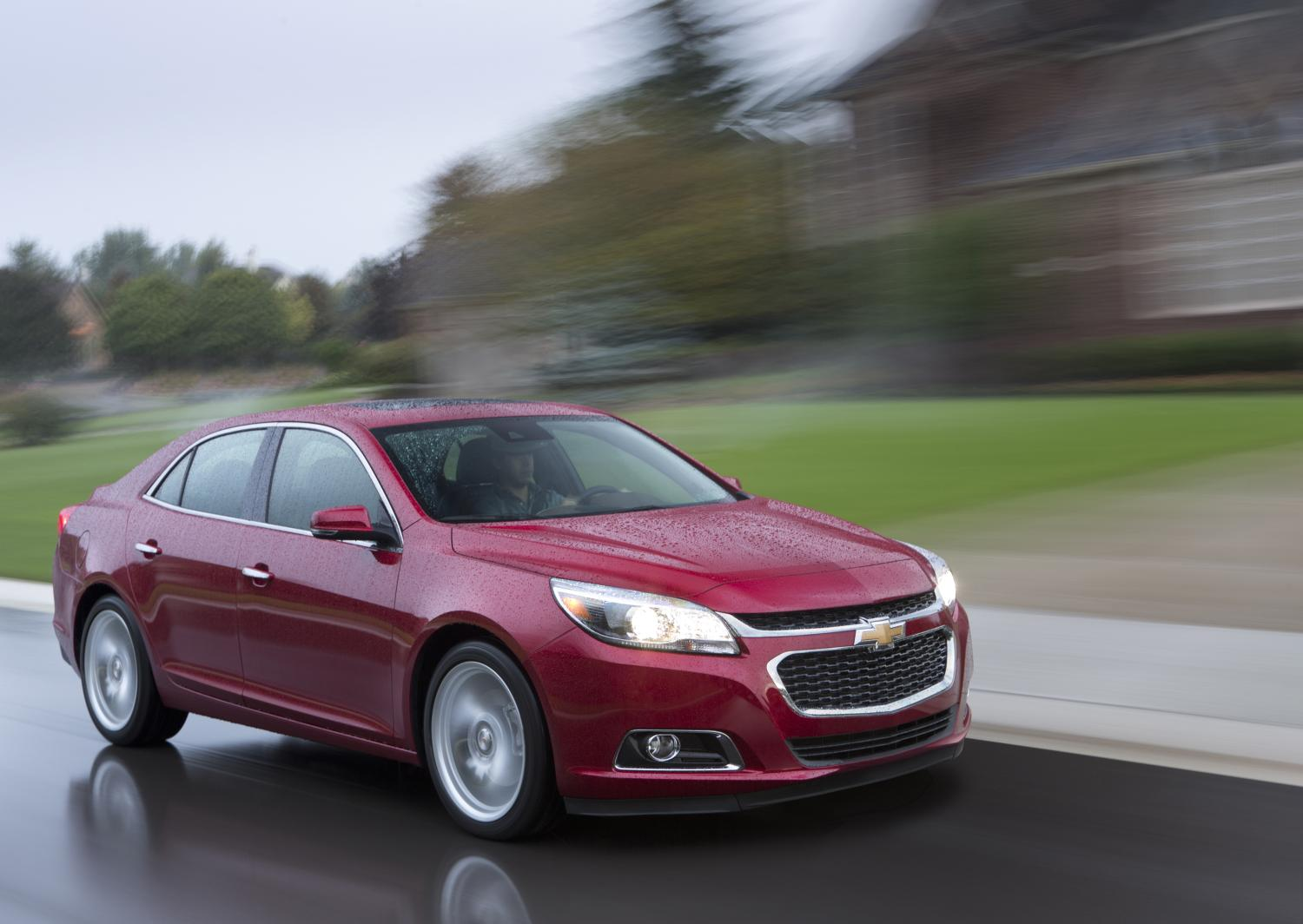 2014 chevy malibu with stop start gets 14 better city mileage autoevolution. Black Bedroom Furniture Sets. Home Design Ideas