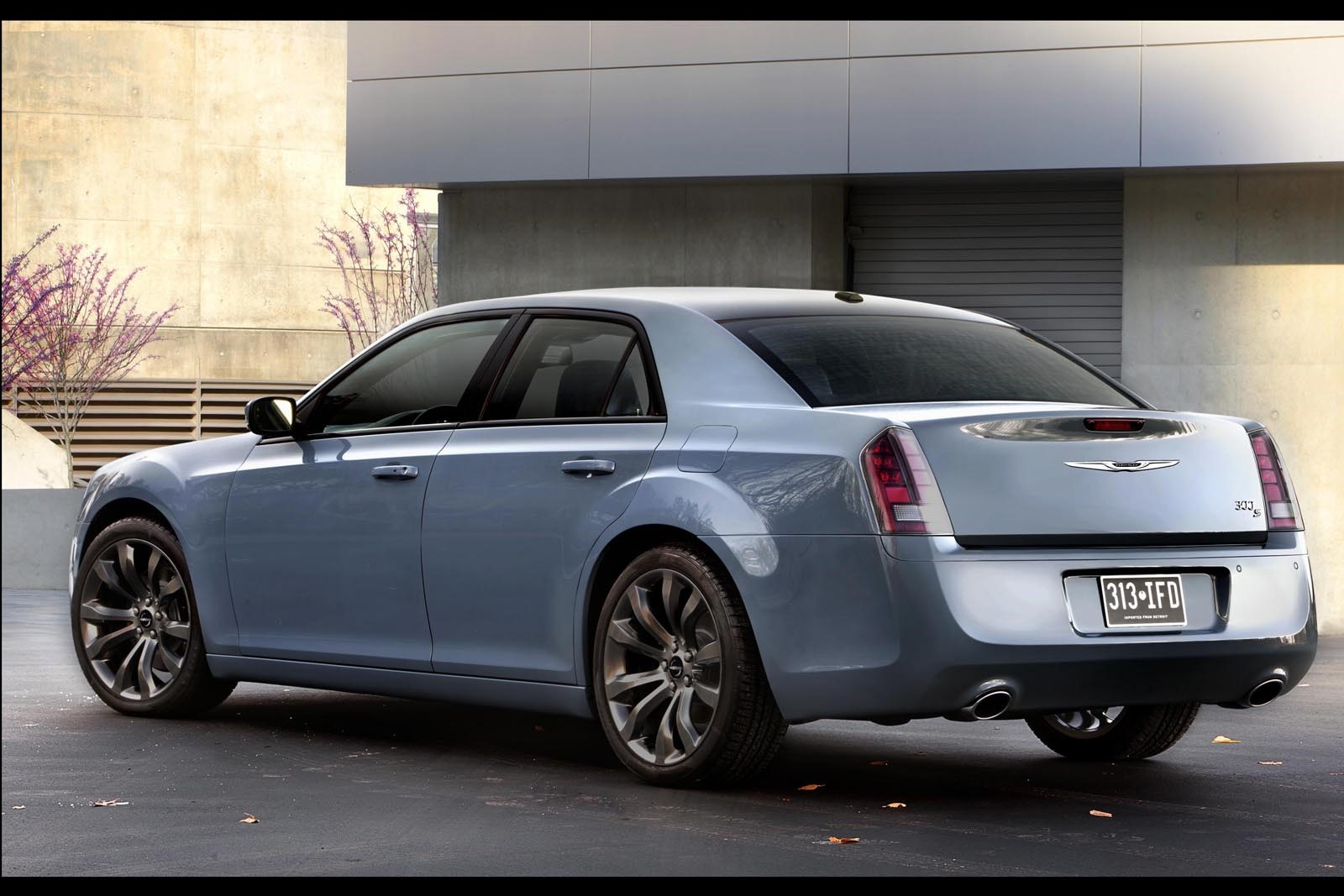 2014 Chrysler 300s Revealed With Updated Quot Blacked Out