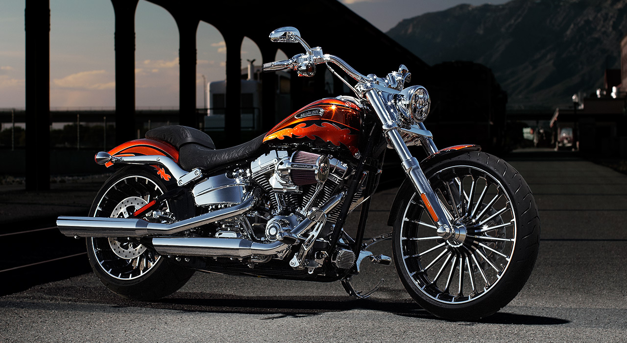 2014 cvo breakout harley 39 s new pride autoevolution. Black Bedroom Furniture Sets. Home Design Ideas