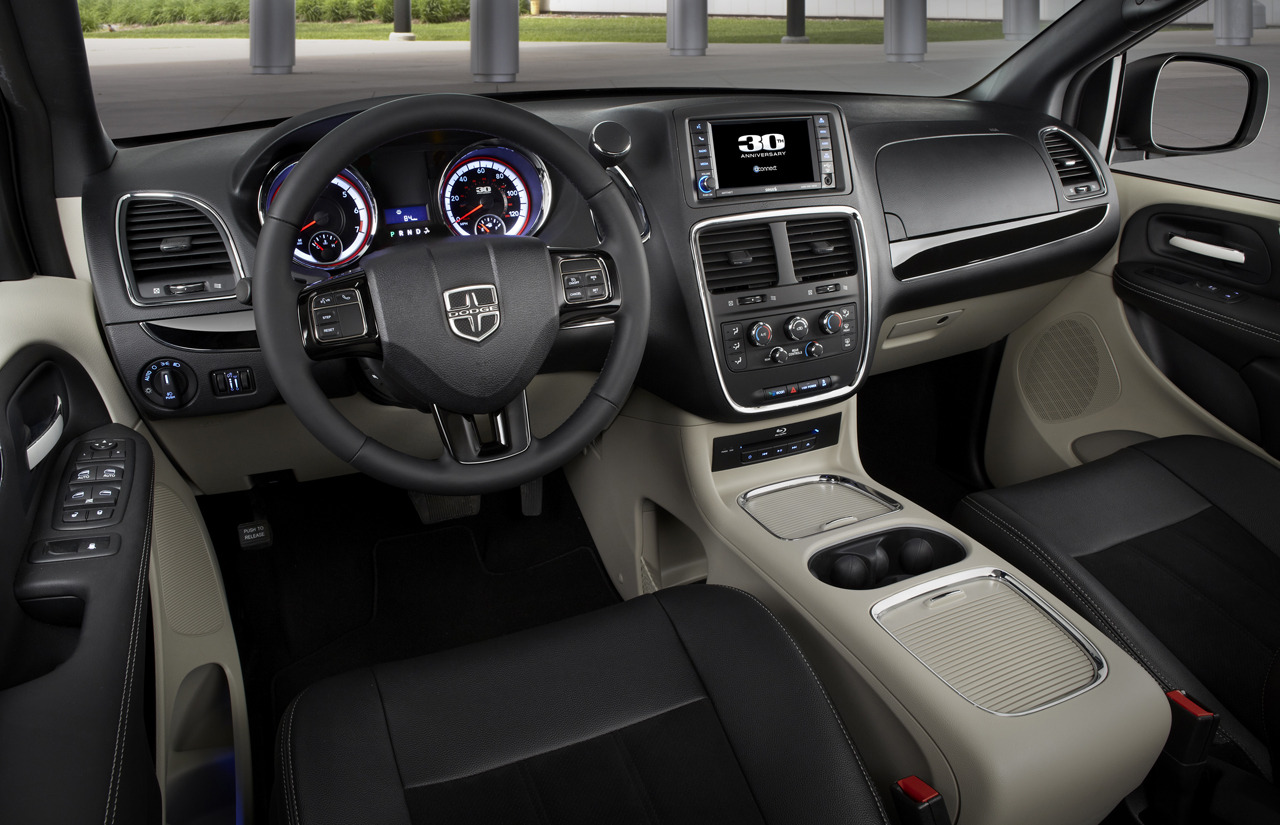 Dodge Town And Country >> 2014 Dodge Grand Caravan 30th Anniversary Edition Unveiled ...
