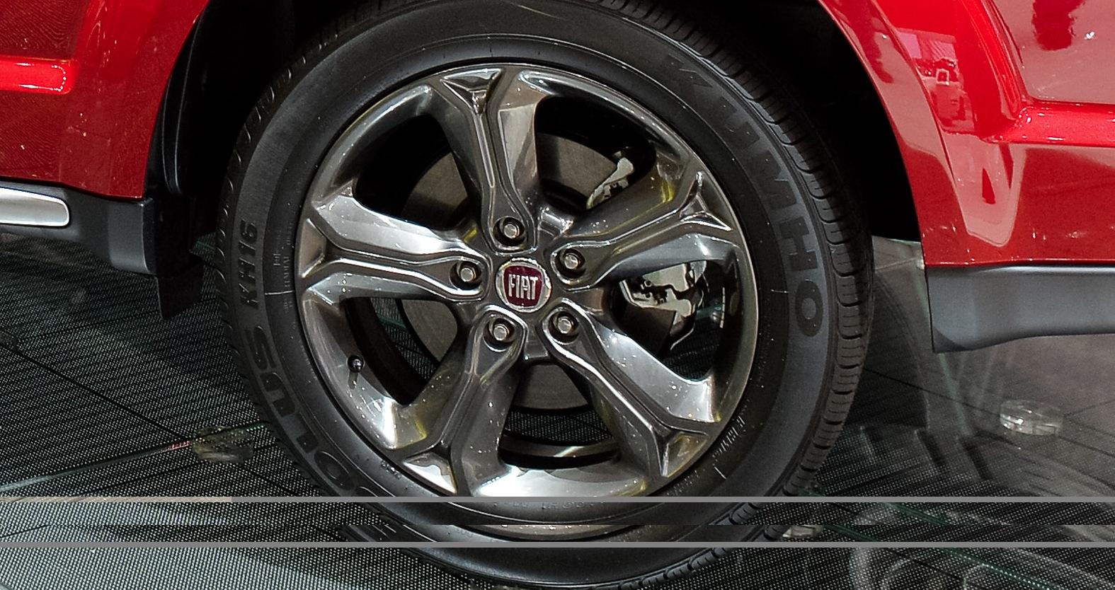 Saw Mill Auto >> 2014 Dodge Journey Crossroad Puts On Fiat Badge in Geneva [Live Photos] - autoevolution
