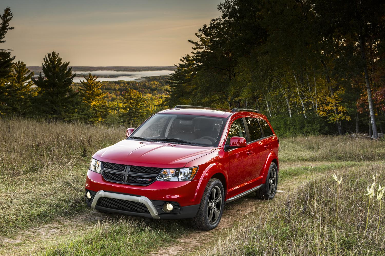 Dodge Journey Crossroad Interior >> 2014 Dodge Journey Crossroad Unveiled Ahead of Chicago Debut - autoevolution