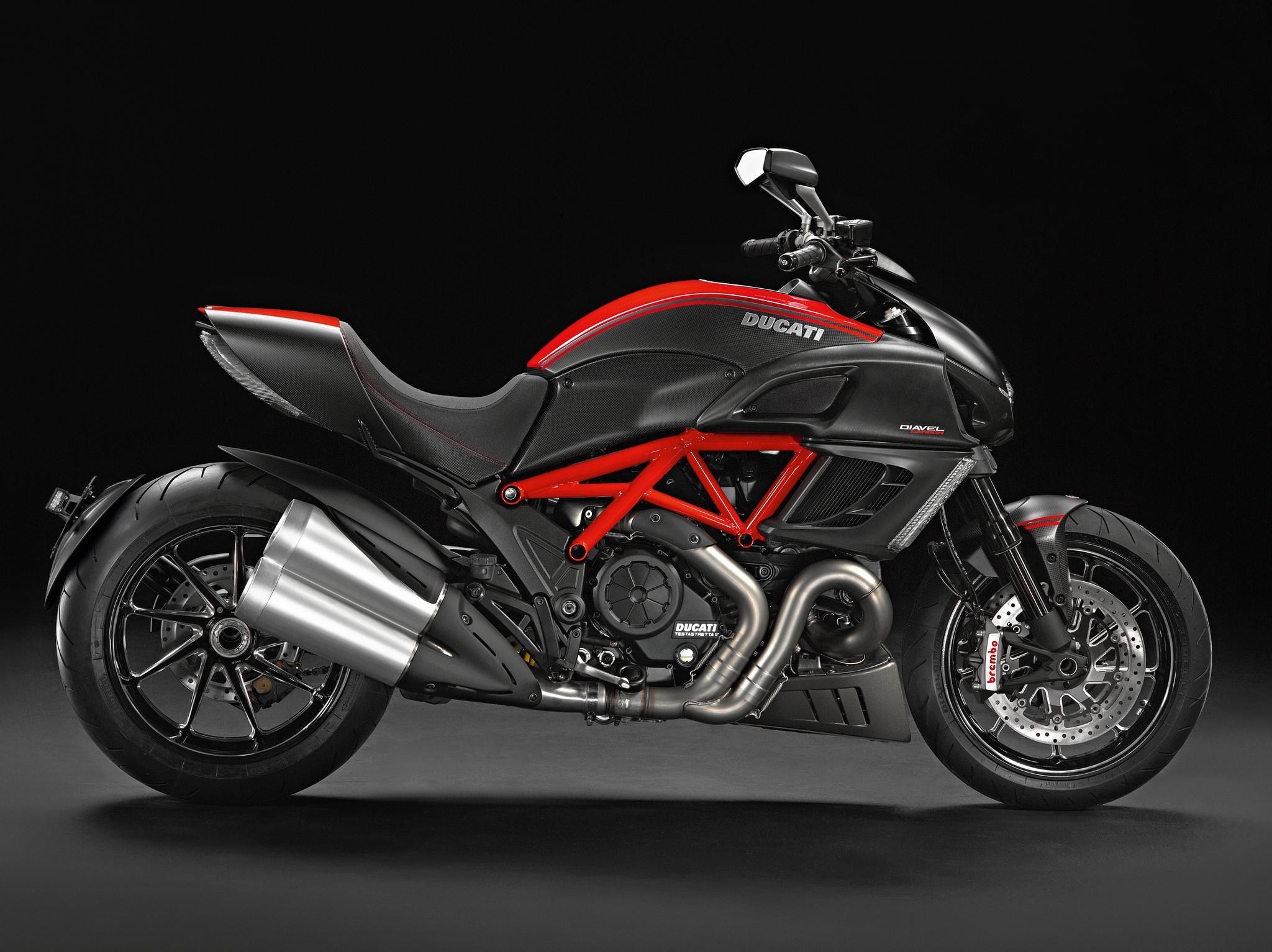 2014 ducati diavel line up presented autoevolution. Black Bedroom Furniture Sets. Home Design Ideas