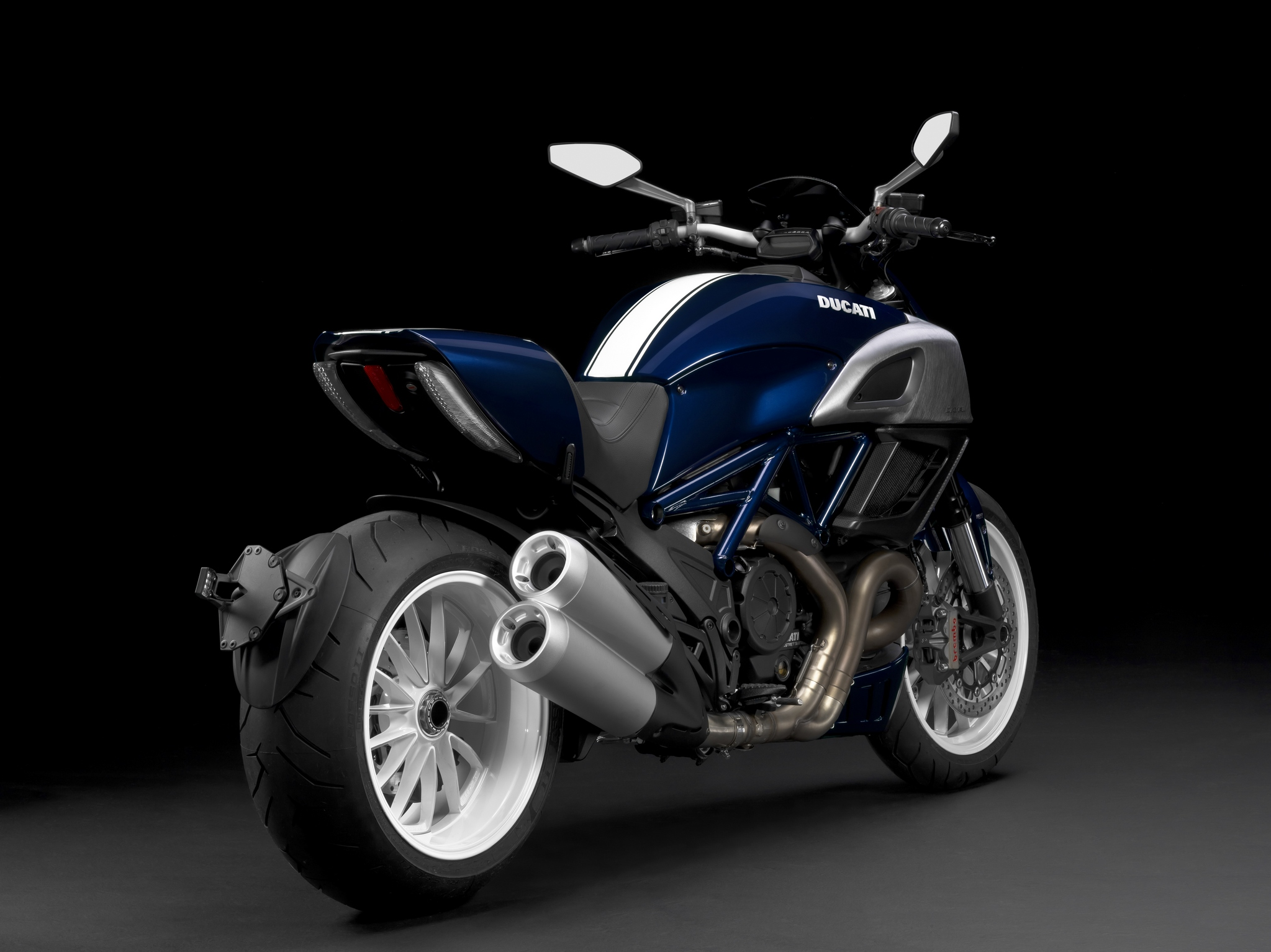 2014 Ducati Diavel Line Up Presented Autoevolution