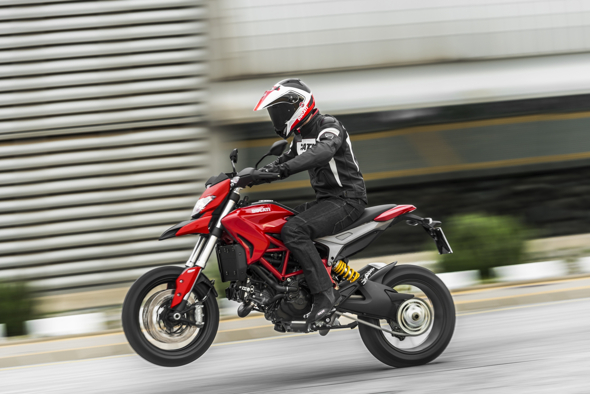 2014 Ducati Hypermotard, License to Thrill - autoevolution