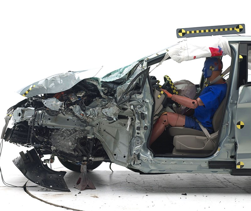 2014 Ford C-Max Hybrid Earns IIHS Top Safety Pick [Photo