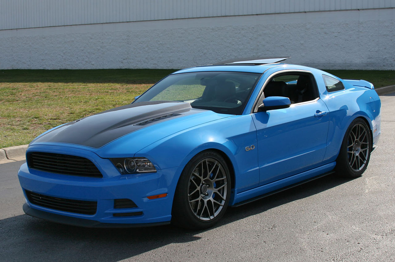 2014 ford mustang gets rev 1 hood from revelare autoevolution. Black Bedroom Furniture Sets. Home Design Ideas