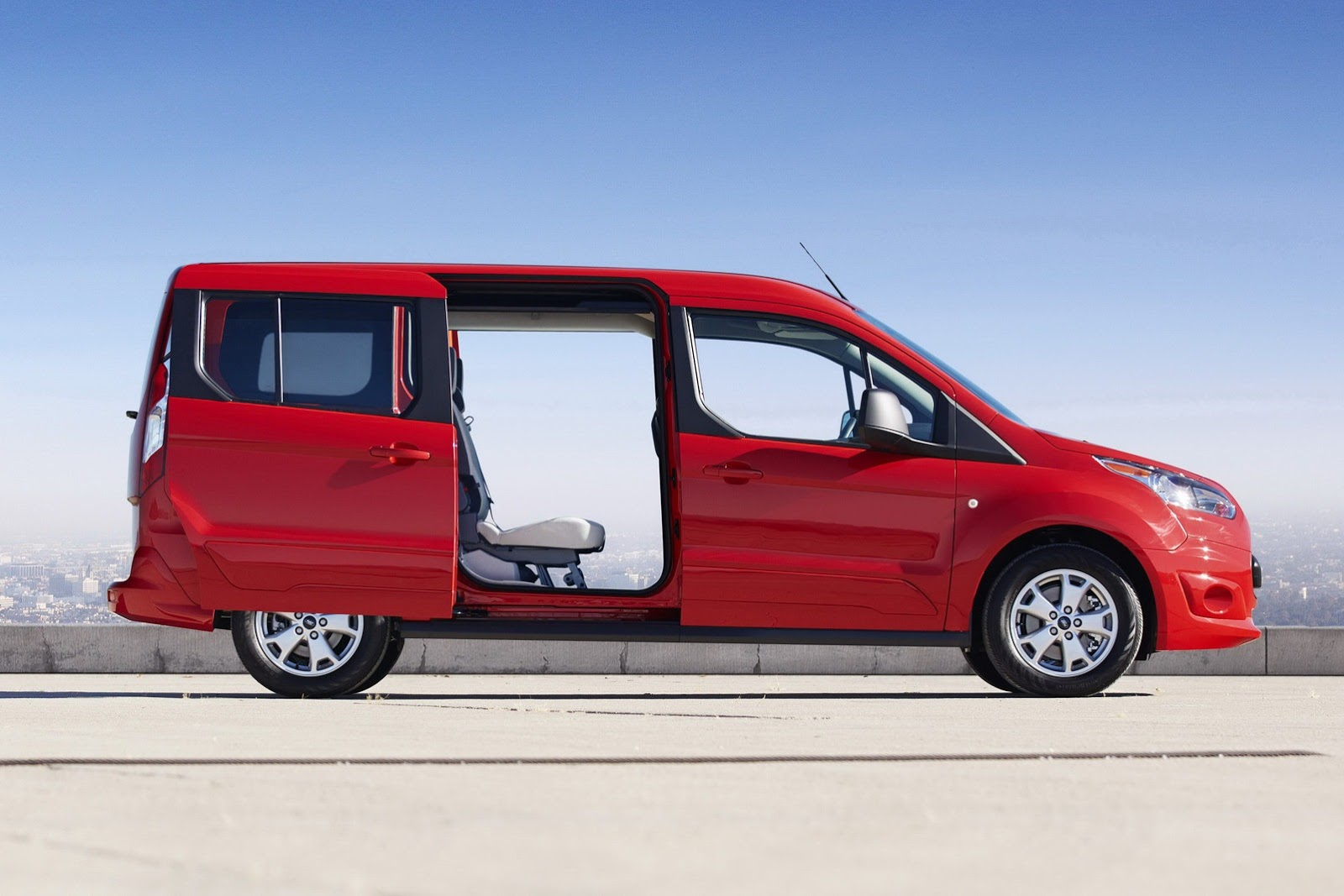 2014 ford transit connect wagon unveiled in la video autoevolution. Cars Review. Best American Auto & Cars Review