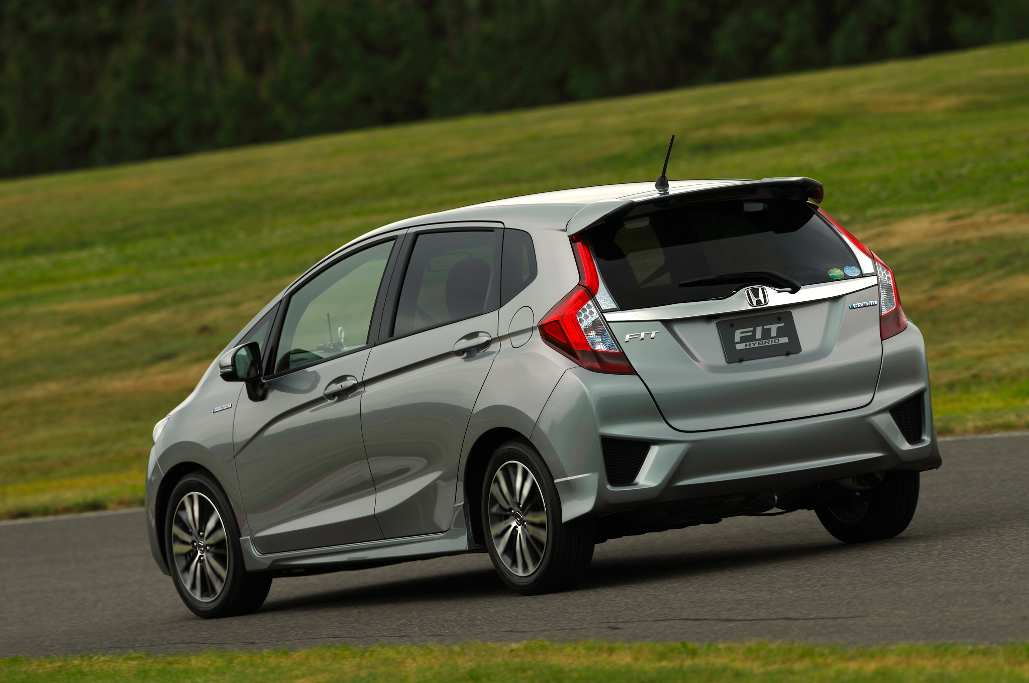 2014-honda-jazz-2015-honda-fit-photo-gallery_11.jpg