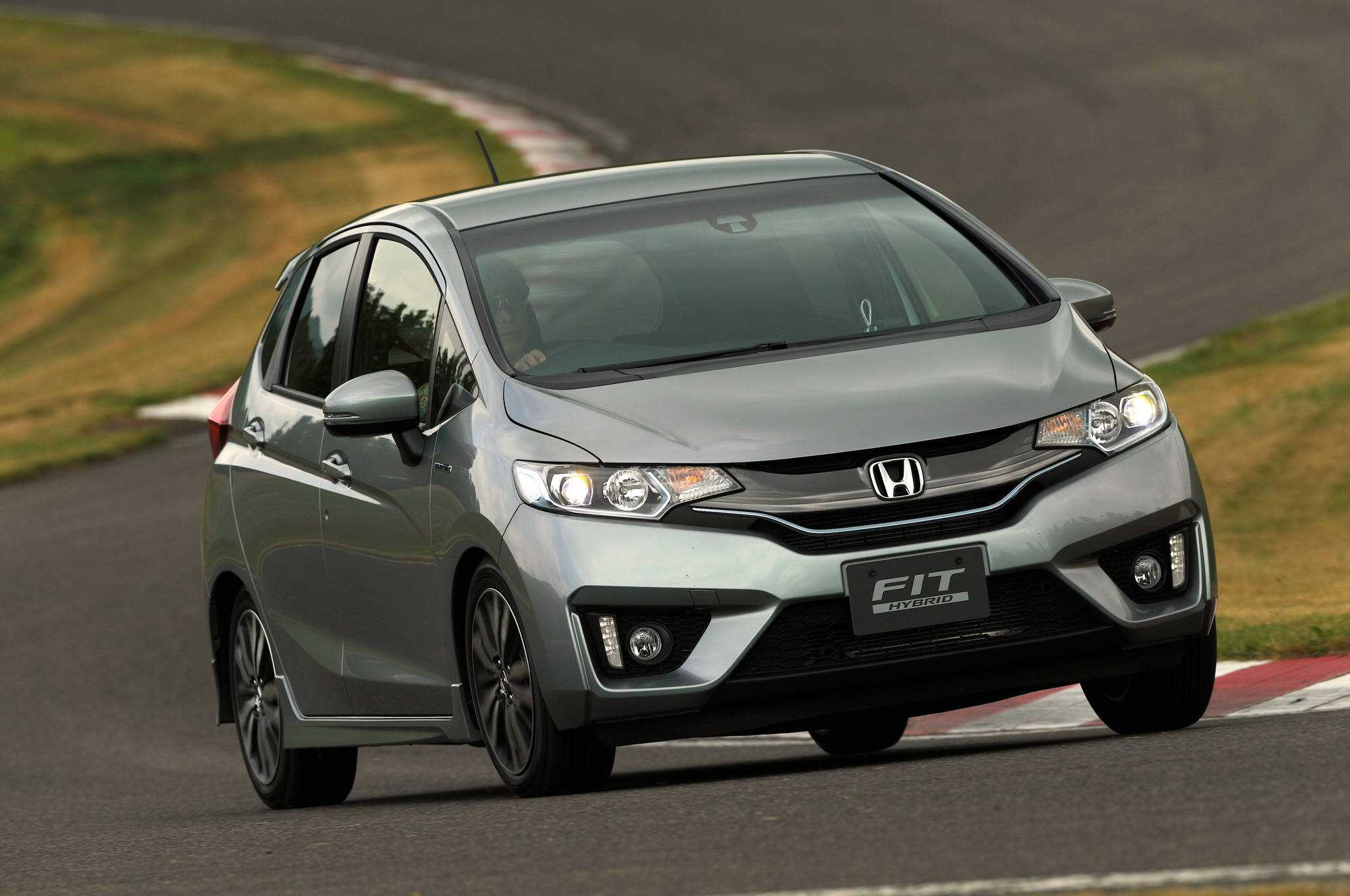 2014 honda jazz 2015 honda fit autoevolution. Black Bedroom Furniture Sets. Home Design Ideas