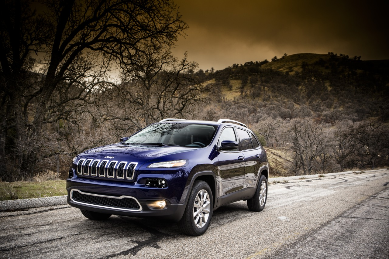 2014 jeep cherokee becomes liberty light in china autoevolution. Black Bedroom Furniture Sets. Home Design Ideas