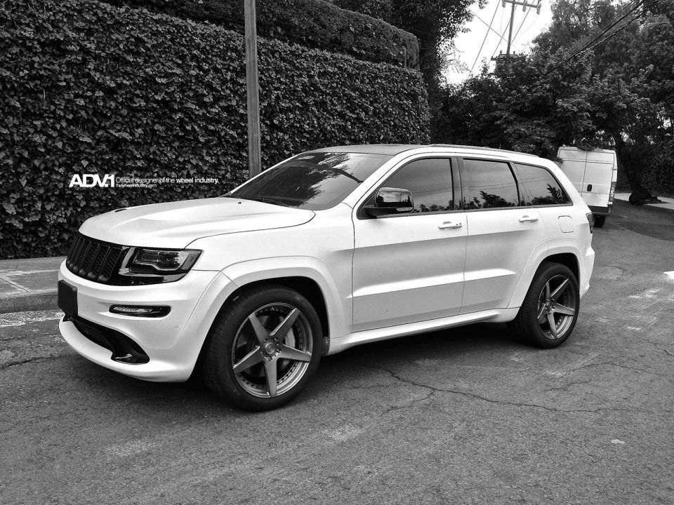 2014 Jeep Grand Cherokee SRT8 Gets New ADV1 Wheels pics