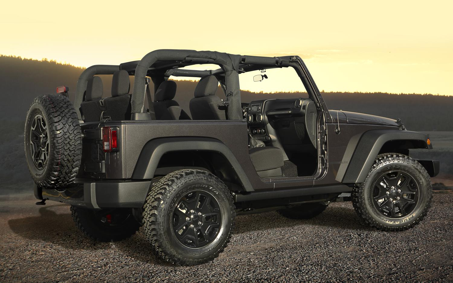 2014 jeep wrangler willys wheeler edition unveiled. Black Bedroom Furniture Sets. Home Design Ideas