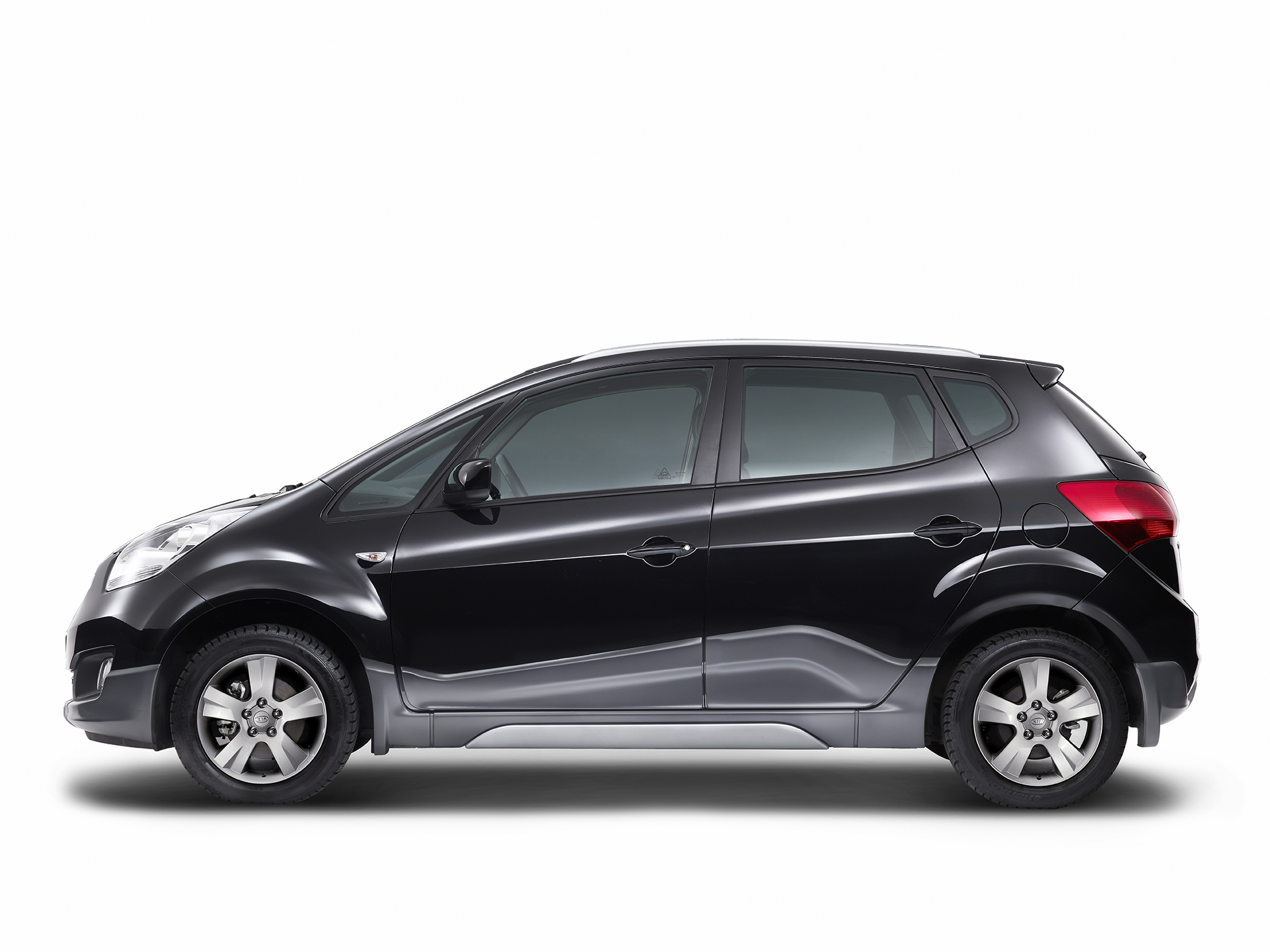Kia Venga Crossover Unveiled also Kia Shuma Hood in addition Hyundai I Active likewise B F Ac T moreover Kia Niro Ev Concept. on 2017 kia niro