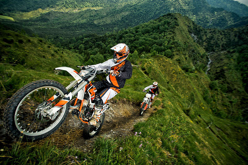 2014 ktm freeride 250 r makes appearance price available autoevolution. Black Bedroom Furniture Sets. Home Design Ideas